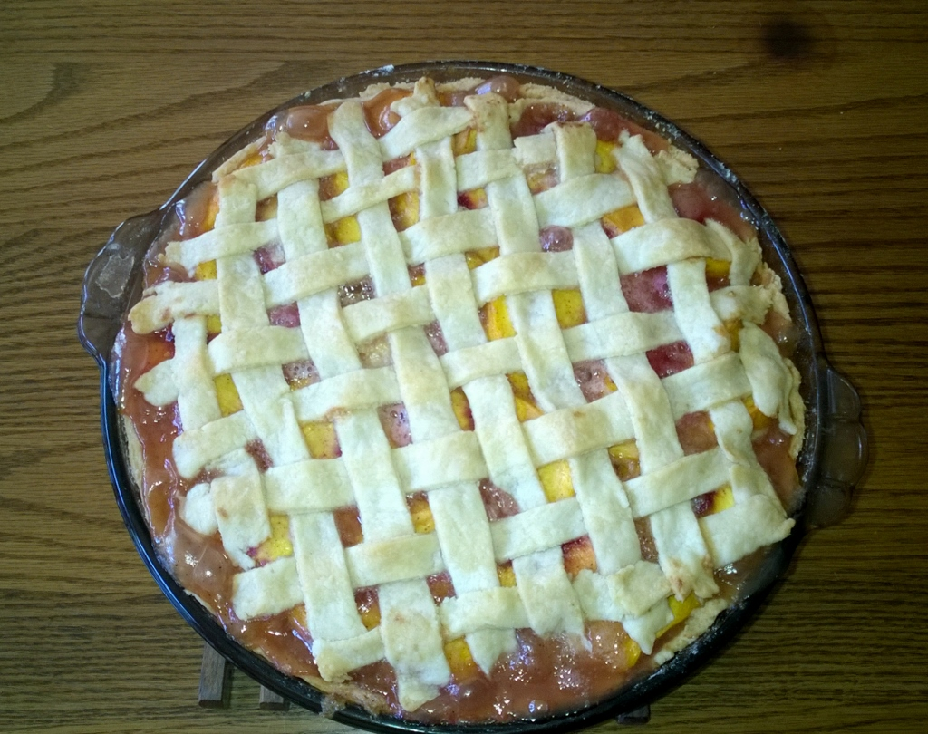 Jonne followed the elderberry pie up with a peach pie
