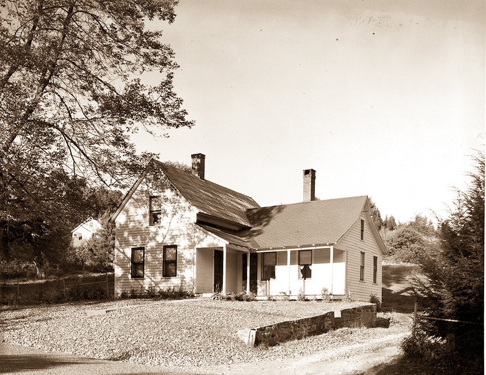 Early 20th century picture of 8 Simsbury Rd